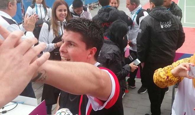 Kevin Martínez ganó medalla de oro en la final masculina de Frontón. FOTO: Rodolfo Contreras
