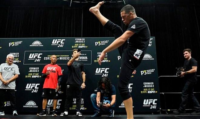UFC ONLINE Daniel Cormier vs Stipe Miocic FOX Action EN VIVO Cartelera Nate Diaz FOX Sports MMA Free Fight Watch UFC 241 Link Stream Pelea GRATIS Hora Canal TV Main card VIDEO