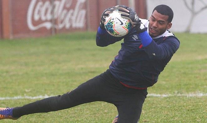 Steven Rivadenyra, el arquero que desean en Alianza Lima para el 2020