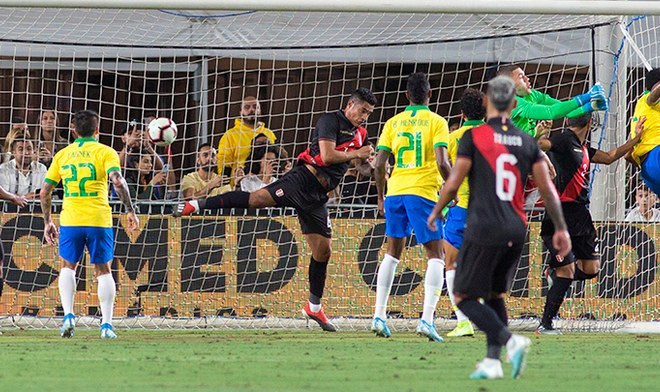 Selección peruana, selección de Brasil