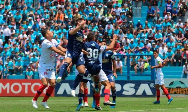 Sporting Cristal 1-2 Carlos A. Mannucci