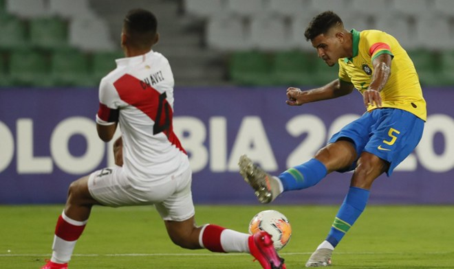 Con Benavidez de titular, Uruguay se impuso por la mínima en su debut por el Pre Olimpico (Vídeo) Noticia-1579486369-peru-sub-23