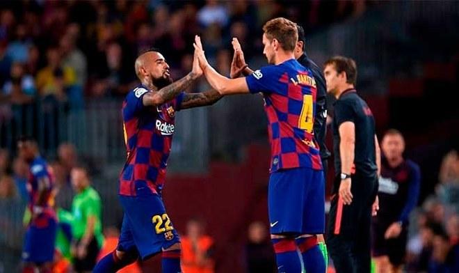 Arturo Vidal e Iván Rakitic lideran la lista de jugadores que serán puestos en venta por Barcelona