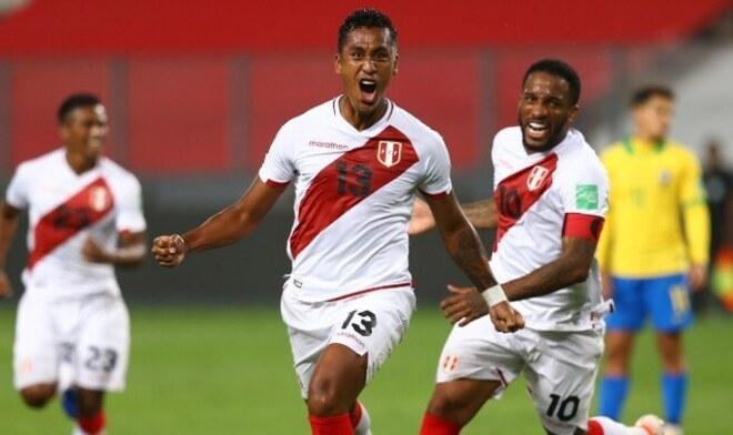 Renato Tapia, Selección peruana