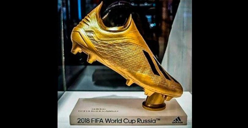 FIFA presentó el Guante, la Bota y el Balón de Oro para Rusia 2018 [FOTOS]
