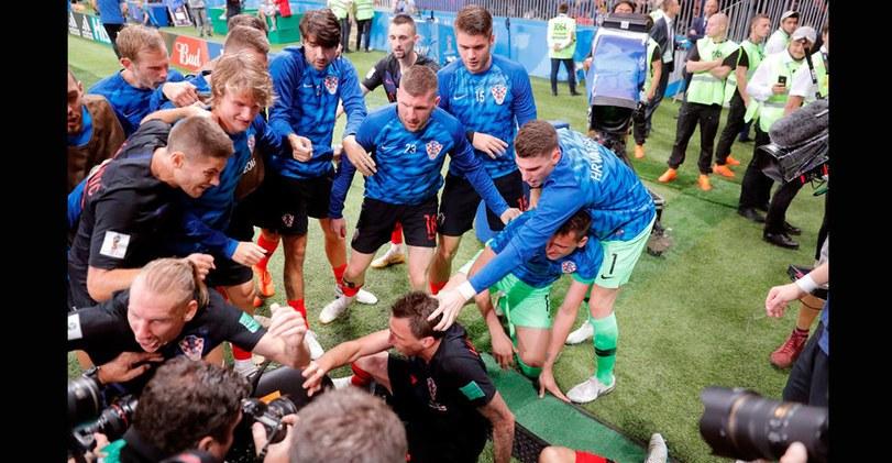 ¡Al ras del piso! Las postales de la caída del fotógrafo y los jugadores croatas [FOTOS]