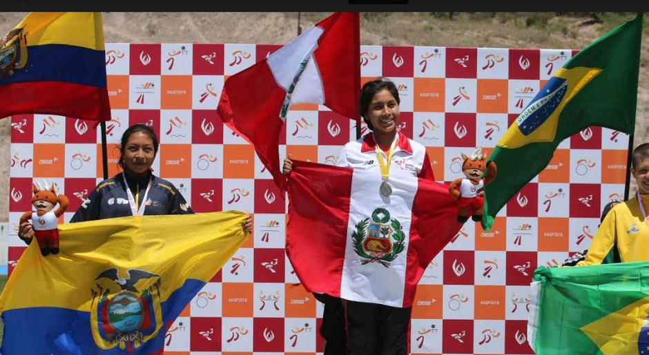 Anita Poma, medalla de oro, en la categoría de Atletismo