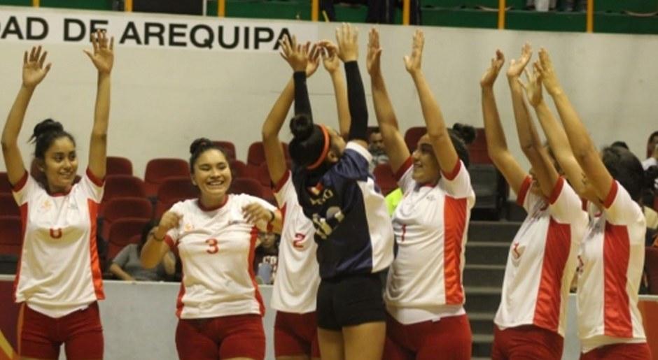 Selección Peruana de Vóley venciendo a Uruguay