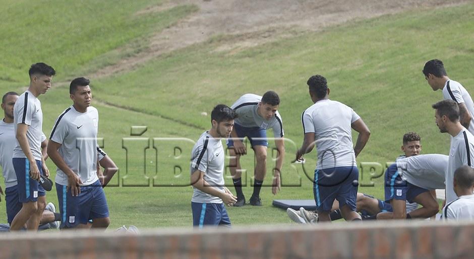 Mauricio Affonso, Anthony Rosell, Rinaldo Cruzado, entre otros, iniciando la temporada.